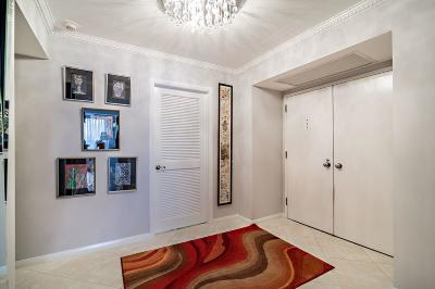 North Palm Beach Condo For Sale: 115 Lakeshore Drive #747