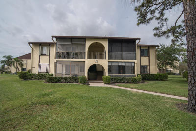 Greenacres Condo For Sale: 233 Pine Hov Circle #D-1