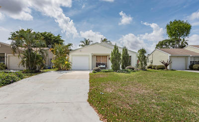 Boynton Beach Single Family Home For Sale: 9037 Chrysanthemum Drive