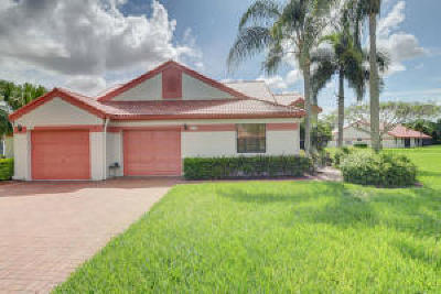 Delray Beach Single Family Home For Sale: 7720 Lexington Club Boulevard #B