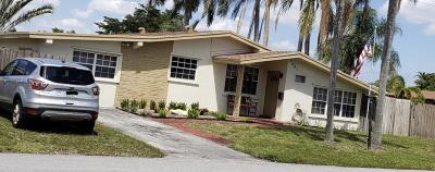 Pembroke Pines Single Family Home For Sale: 7661 NW 11th Street