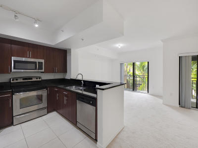 Palm Beach Gardens Condo For Sale: 4907 Midtown Lane #1303