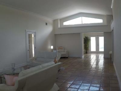 Miami Single Family Home For Sale: 2590 NE 200th Street