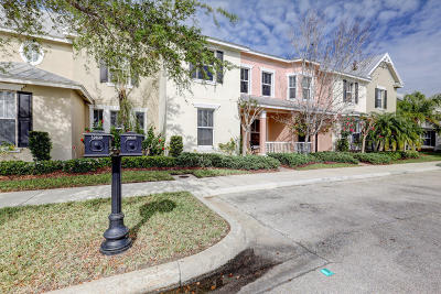 Townhouse For Sale: 10635 SW Cam Run