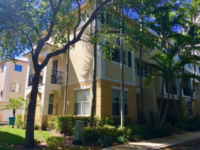 Townhouse For Sale: 2899 S Greenleaf Circle