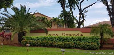 Miami-Dade County Condo For Sale: 2530 W 60th Place #104-17
