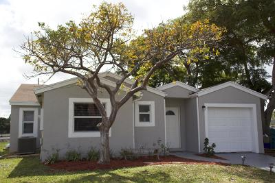 Boynton Beach Single Family Home Contingent: 42 Tara Drive E