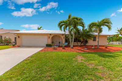 Palm City Single Family Home For Sale: 1590 SW Albatross Way