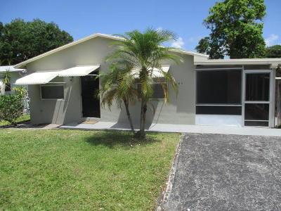 Jupiter Single Family Home For Sale: 705 Loxahatchee Drive