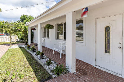 Lantana Single Family Home For Sale: 112 Milton Street