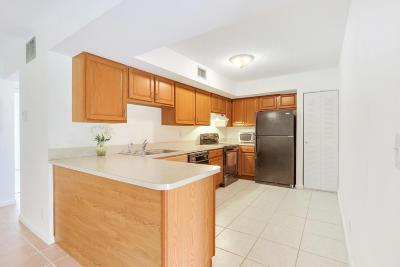 Boca Raton Condo For Sale: 3300 Jaywood Terrace #J 116