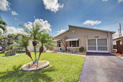 Boynton Beach Single Family Home For Sale: 5606 Mirror Lakes Boulevard