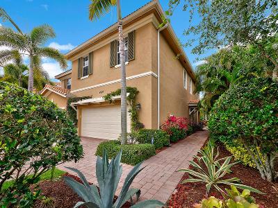 Palm Beach Gardens Townhouse Pending: 4827 Cadiz Circle