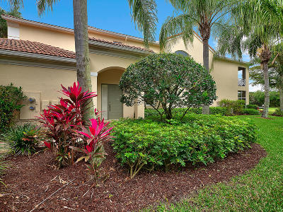 Palm Beach Gardens Condo For Sale: 120 Palm Bay Drive #D