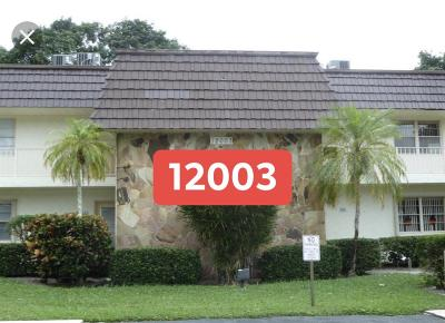 Royal Palm Beach Condo For Sale: 12003 Poinciana Boulevard Boulevard #203