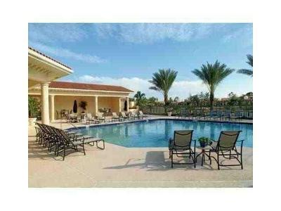 West Palm Beach Condo For Sale: 1524 Lake Crystal Drive #D
