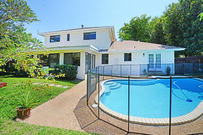 Hidden Valley Single Family Home For Sale: 221 Country Club Boulevard