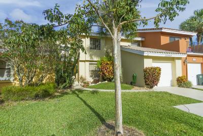 Boca Raton Townhouse For Sale: 20950 Estada Lane