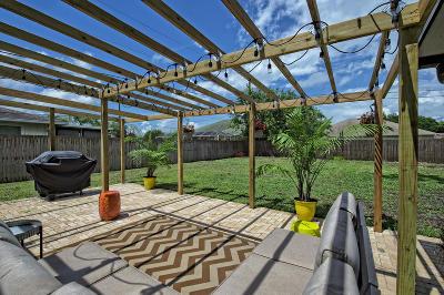 Port Saint Lucie Single Family Home For Sale: 879 SW Canary Terr Terrace