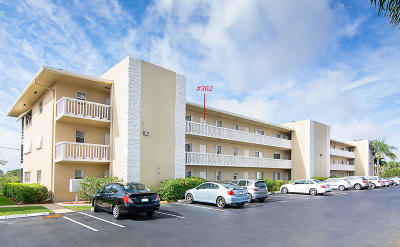 North Palm Beach Condo Contingent: 405 Us Highway 1 #302