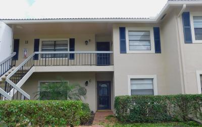Boynton Beach Condo For Sale: 11 Stratford Drive #D