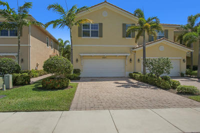 Palm Beach Gardens Townhouse Contingent: 4523 Cadiz Circle