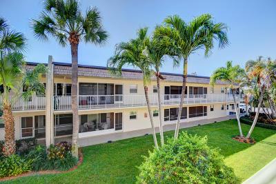 Boynton Beach Condo For Sale: 624 Snug Harbor Drive #B14