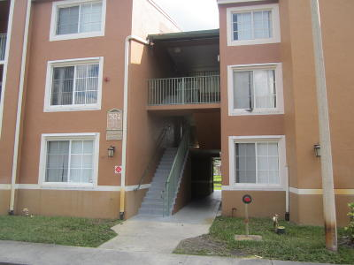 Lake Worth Condo For Sale: 7824 Sonoma Springs Circle #308