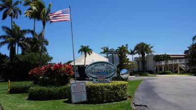 Boynton Beach Condo For Sale: 624 Snug Harbor Drive #B4