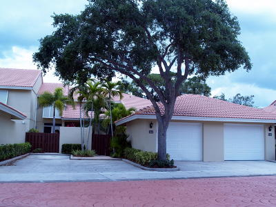 Palm Beach Gardens Townhouse For Sale: 164 Old Meadow Way