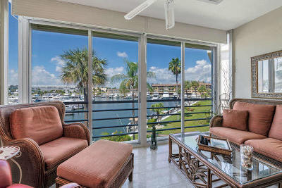 North Palm Beach Condo For Sale: 29 Yacht Club Drive #307