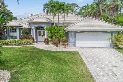 Hobe Sound Single Family Home Contingent: 7847 SE Windjammer Way