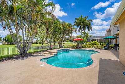 Lake Worth Single Family Home For Sale: 5537 Lakeshore Village Circle