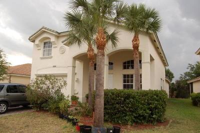 Port Saint Lucie Single Family Home Contingent: 2306 SW Newport Isles Boulevard
