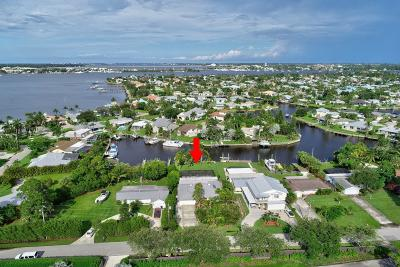 Palm City Single Family Home For Sale: 107 SW Riverway Boulevard