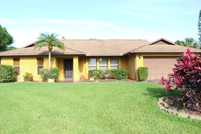 Fort Pierce Single Family Home For Sale: 790 Woodlands Drive