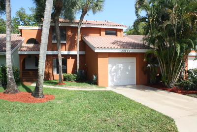Boca Raton Townhouse For Sale: 20846 Via Valencia Drive