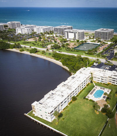 Palm Beach Condo For Sale: 2720 S Ocean Boulevard #113