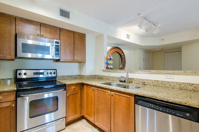 West Palm Beach Condo For Sale: 1801 Flagler Drive #317