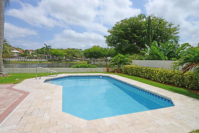 Boca Raton Single Family Home For Sale: 21760 Club Villa Terrace