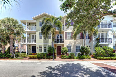 Delray Beach Townhouse For Sale: 1043 W Heritage Club Circle