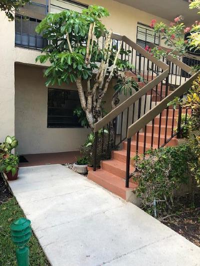 Boca Raton Condo For Sale: 8450 Casa Del Lago #24i