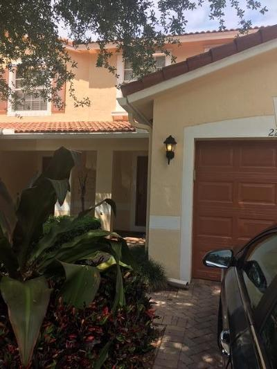 Boca Raton Townhouse For Sale: 22093 Majestic Woods Way