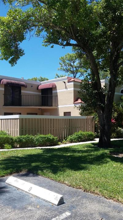 Delray Beach Townhouse For Sale: 3680 Village Drive #A