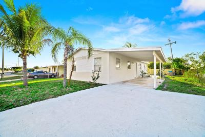 Boynton Beach Single Family Home For Sale: 3211 Seacrest Boulevard