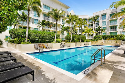 West Palm Beach Condo For Sale: 480 Hibiscus Street #325