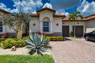 Delray Beach Single Family Home For Sale: 15050 Via Porta