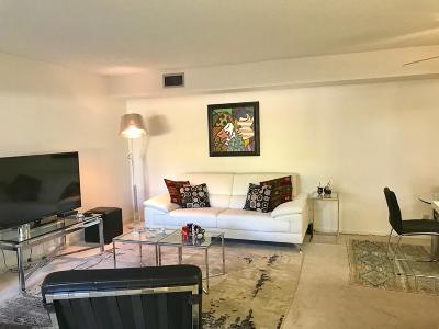 Delray Beach Condo For Sale: 14895 Builtmore Way #109
