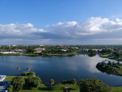 Delray Beach Condo For Sale: 42 Waterford B Way #B
