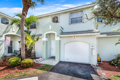 Davie Townhouse For Sale: 4758 Grapevine Way